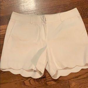 J. McLaughlin white scalloped bottom shorts